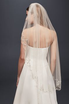 A romantic veil for