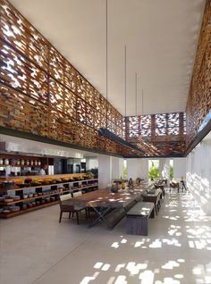 Warung restaurant at Alila Villas Uluwatu, Bali by WOHA Architects. Something like this could be pretty in a house :) Design Café, Cafe Design, House Design, Plan Design, Design Ideas, Design Commercial, Commercial Interiors, Interior Architecture, Interior And Exterior