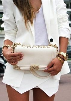 Love this white on white look! Gorgeous day or night outfit