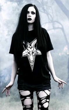 ► Model: Reeree Phillips Dark Beauty, Goth Beauty, Alternative Outfits, Alternative Fashion, Grunge Goth, Punk Goth, Komplette Outfits, Gothic Outfits, Dark Fashion