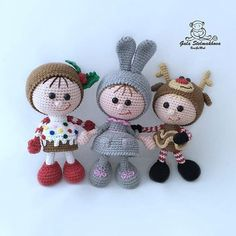 3 friends together. Interesting, what they are up to? Patterns for these dolls can be found in our Etsy shop.