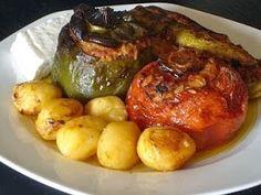 Stuffed Vegetables--Authentic Greek Recipes (Gemista)--I'm not a fan of eg. - Foodie -Greek Stuffed Vegetables--Authentic Greek Recipes (Gemista)--I'm not a fan of eg. Vegetarian Recipes, Cooking Recipes, Healthy Recipes, Cheese Recipes, Healthy Nutrition, Drink Recipes, Healthy Eating, Vegan Greek, Vegetarian Food