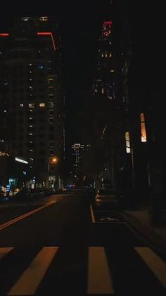 Night Aesthetic, City Aesthetic, Aesthetic Movies, Beautiful Scenery Pictures, Beautiful Nature Scenes, Emotional Photography, Rain Photography, Images Aléatoires, Talking To The Moon