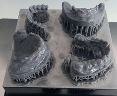 Impresión de modelos 3D en policarbonato listos para el siguiente proceso #laboratoriodental #dentaltech #dentaldesign #dentalwork #protesicodental #dentallab #impresora3d #impresion3d
