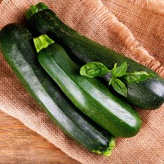 Zucchini Nutrition — Low in Calories & Loaded with Anti-Inflammatory Properties by @draxe