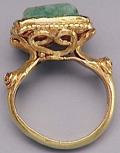 ring, gold with green stone, Merovingian, 6th c. (Saint-Germain-en-Laye, MAN MAN87166) | by Atelier Sol