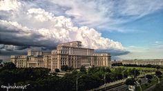 Romania - June 03, 2016 Spectacular Cumunolimbus approaching Bucharest. WOW!  Source : My Bucharest via Ciprian Rogoz Thanks for sharing