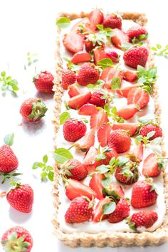 This skinny no bake strawberry cheesecake tart is the most luscious way to get your summertime strawberry fix.