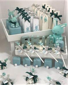 Inspiratie geboorte: watergroene doosjes in verschillende formaten met konijntjes. Collectie2018.
