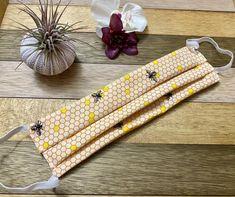 Crochet Hooks, Crochet Baby, Best Masks, Flat Shapes, Mermaid Blanket, Crochet Patterns For Beginners, Craft Stick Crafts, Honeycomb, Comb Honey