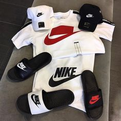 No photo description available. Swag Outfits Men, Stylish Mens Outfits, Tomboy Outfits, Teenager Outfits, Dope Outfits, Casual Outfits, Hype Clothing, Mens Clothing Styles, Nike Fashion