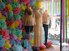 store window displays using grass | An inexpensive and flamboyant window for resale, consignment, thrift ...