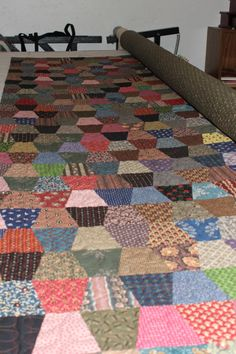 Good Morning Everyone I hope you are all having a great day so far…I feel like I have accomplished so much already…finished quilting our tumbler quilt. Scrappy Quilt Patterns, Scrappy Quilts, Patch Quilt, Quilt Blocks, Twister Quilts, Tumbler Quilt, Amish Quilts, Primitive Quilts, Flannel Quilts
