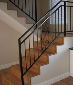 Home Decoration Online Stores Tiled Staircase, Staircase Railing Design, Interior Stair Railing, Modern Stair Railing, Wrought Iron Stair Railing, Balcony Railing Design, Stair Handrail, Staircase Makeover, Steel Railing Design