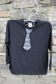 camiseta con corbata  camiseta de algodón 100%,tela estampada decorativas,cosida a maquina