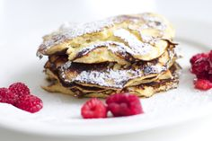 Sitruuna-ricotta-banaaniletut / Lemon Ricotta Banana Pancakes