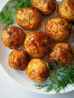 uudet perunat uunissa Mushroom Rice, Rice Dishes, Vegan Foods, Food Inspiration, Baked Potato, Stuffed Mushrooms, Food And Drink, Dinner, Baking