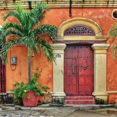 """Cartagena de Indias."" (Colombia ) NOTE: PRESS ""VISIT"" & then ""VER TODO LOS CONTENIDOS..."" TO SEE MANY MORE PHOTOS BY ""dijugar"". (Didn't find any more doors or windows -- fruit, people, & other subjects.) (Pinned both to Doors & Windows and to Cartegena & Colombia.)"