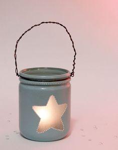 Créer un lampion photophore avec un pot en verre | Idée Créative Garden Lamps, Pots, Diy Candles, Mason Jar Lamp, Outdoor Gardens, Dyi, Lanterns, Diy And Crafts, Candle Holders