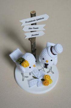 Topos de bolo criativos dão tom divertido ao casamento. Inspire-se