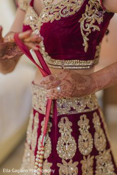Getting Ready http://www.maharaniweddings.com/gallery/photo/45328 @ellagagiano/ella-gagiano-photography-weddings