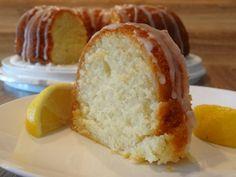 This Super Lemon Bundt Cake is layer upon layer of lemony goodness. It consists of a moist cake made from scratch layered with lemon juice, lemon zest, and lemo Lemon Desserts, Lemon Recipes, Dessert Recipes, Fruit Recipes, Healthy Desserts, Dessert Ideas, Cake Ideas, Lemon Cake From Scratch, Cake