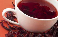 Delicioso e cheio de benefícios, o quentão de hibiscus tem tudo o que você precisa. Aprenda a preparar! - Veja mais em: http://www.vilamulher.com.br/receitas/bebidas/quentao-de-hibiscus-e-pessego-m0615-704917.html?pinterest-mat