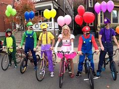 Funny pictures about The Mario Kart gang. Oh, and cool pics about The Mario Kart gang. Also, The Mario Kart gang. Super Mario Kostüm, Carnaval Costume, Costume Original, Clever Halloween Costumes, Diy Costumes, Funny Group Costumes, Costumes For 3 People, Group Halloween Costumes For Adults, Team Costumes
