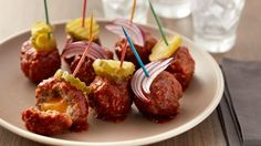 Slow-Cooker Barbecue Bacon Cheeseburger Meatballs Who needs a bun? These barbecue bacon cheeseburger meatballs simmer away in the slow cooker while you get the rest of your party prepped, then team up with pickles for a pretty presentation. Slow Cooker Appetizers, Slow Cooker Recipes, Crockpot Recipes, Cooking Recipes, Cooking Tips, Best Appetizer Recipes, Appetizers For Party, Potluck Recipes, Appetizer Ideas