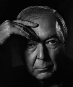 Yousuf Karsh - portrait of Jasper Johns. Jasper Johns, Black And White Portraits, Black And White Photography, Yousuf Karsh, Photo Portrait, Man Portrait, New York Museums, Max Ernst, Matisse
