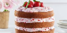 Strawberry Limeade Cake with Strawberry Cream Cheese Frosting // birthday!