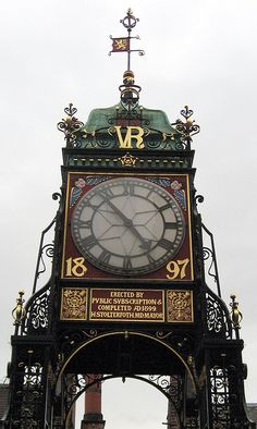 Erected by pvblic svbscription by duncan, Chester, UK via Flickr