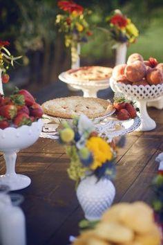 Milkglass tableware