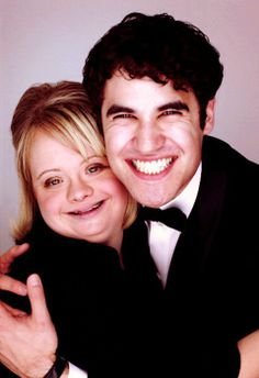 Another Darren Criss and Lauren Potter. Honestly, I don't really have any particular feelings about Lauren Potter, I mainly just thought the picture was ridiculously cute. Chris Colfer, Best Tv Shows, Favorite Tv Shows, Lauren Potter, Darren Criss Glee, Glee Club, Tv Show Casting, Cory Monteith, Glee Cast