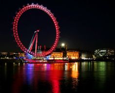What is London Eye and also Where is London Eye are the most frequently asked questions. Because people visit London Eye and capture the London Eye Pictures. 100 Things To Do, Things To Do In London, World's Most Beautiful, Beautiful Places, Beautiful Scenery, Wonderful Places, Amazing Places, London Eye At Night, Big Ben