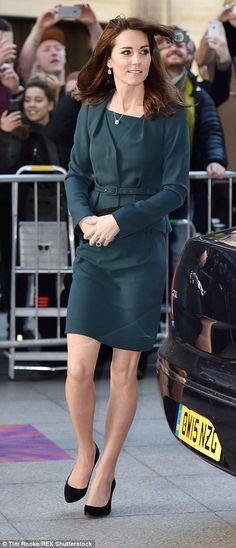 Kate Middleton swaps her tiara for a City suit to join SamCam for ICAP's Charity Day   Daily Mail Online