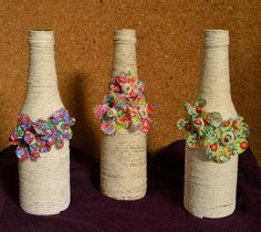Artesanato com Juta – Dicas e modelos | Toda Atual Jute Crafts, Rustic Crafts, Clay Crafts, Arts And Crafts, Glass Bottle Crafts, Wine Bottle Art, Diy Bottle, Yarn Bottles, Bottles And Jars