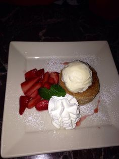 Butter Cake w/Fresh Sliced Strawberries, Grand Lux Cafe, Chicago