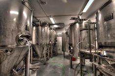 Marzua: DissenyaDos da forma a Garage Beer Co., una fábrica de cerveza artesanal instalada en un garaje Kombucha, Industrial, Tech, Shape, Craft Beer, Garage, San Juan, Home, Beer