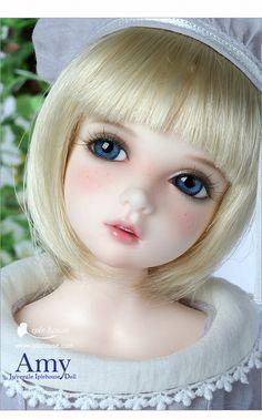 gorgeous Iplehouse doll