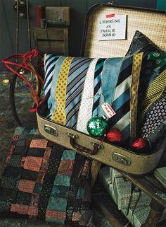 Was wir mit alten Krawatten machen? Kissen aus Krawatten nähen! Das erfreut nicht nur Schlipsträger und ist ein tolles selbstgemachtes Geschenk.