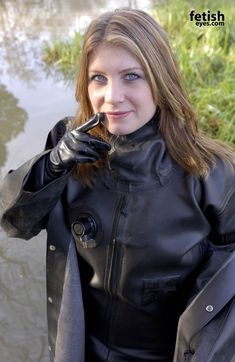 Buy Commercial Diving Tools from Experienced Saturation Diver. Heavy Rubber, Black Rubber, Latex Costumes, Rubber Raincoats, Scuba Girl, Pvc Raincoat, Latex Girls, Biker Girl, Rain Wear