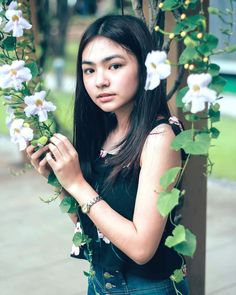 Image may contain: 1 person, flower Uzzlang Girl, Girl Face, Filipina Girls, Ideal Girl, Filipina Beauty, Cute Girl Photo, Girl Photography, Girl Crushes, Girl Photos