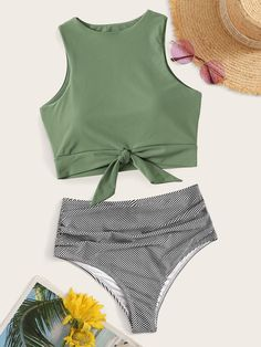 To find out about the Knot Hem Top With Ruched Panty Bikini Set at SHEIN, part of our latest Bikinis ready to shop online today! Bathing Suits For Teens, Cute Bathing Suits, Cute Swimsuits, Stripes Fashion, Beachwear For Women, Mode Outfits, Swimsuit Tops, Lacey Chabert, Bikini Fitness
