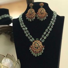 Ruby Necklace Designs, Jewelry Design Earrings, Bead Jewellery, Pearl Jewelry, Gold Jewelry, Wedding Necklace Set, Gold Mangalsutra Designs, Antique Jewellery Designs, India Usa