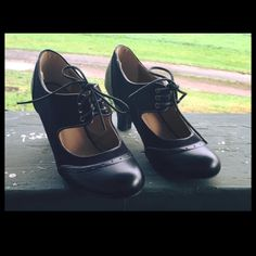 Nice Dressy/Casual Shoes, Brand New !!