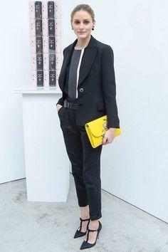 Tenue: Manteau brun clair, Blazer noir, T-shirt à manche longue noir, Pantalon slim noir   Mode pour Mode pour femmes