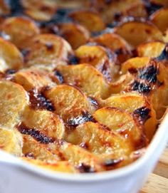 Sweet Potatoes in São Miguel Style Oven - - Oven Recipes, Cookbook Recipes, Cooking Recipes, Easy Cooking, Cooking Time, Sweet Potato Oven, Brazilian Dishes, Good Food, Yummy Food