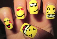 smiley-face-nails-5.jpg (600×412)
