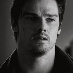 Jay Ryan as Vincent Keller. The most beautiful man in the world! Most Beautiful Man, Gorgeous Men, Vincent Keller, Jay Ryan, Cw Series, Kristin Kreuk, Cute Actors, Scene Photo, New Love